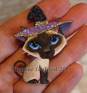 Brooch sealpoint Siamese witch hand